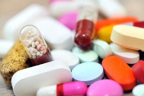 Có nên dùng thuốc uống trị nám da mặt không?