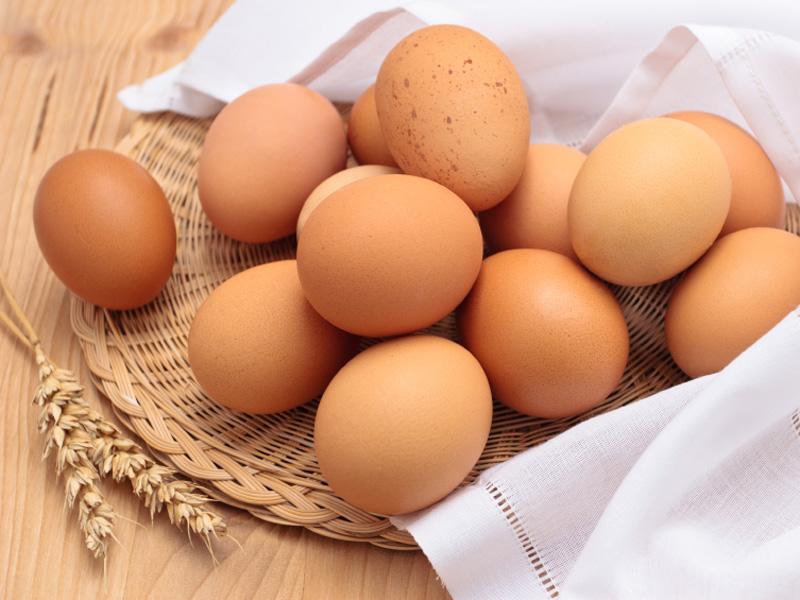 Trứng gà và bột sắn dây không chỉ trị nám mà con giúp da hồng hào