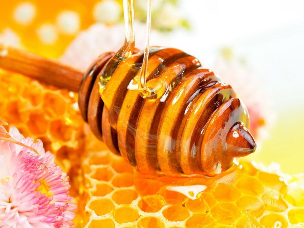 Cách trị nám da bằng trứng gà và mật ong