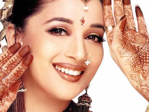 Xử lý bệnh nám da mặt theo cách phụ nữ Ấn Độ 1